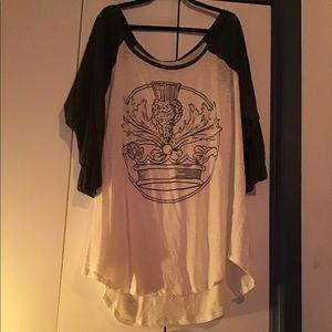 3/4 sleeve very light weight tee shirt